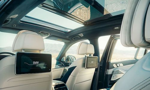 BMW X7 interior entertainment package