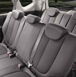 Kia Carens seating