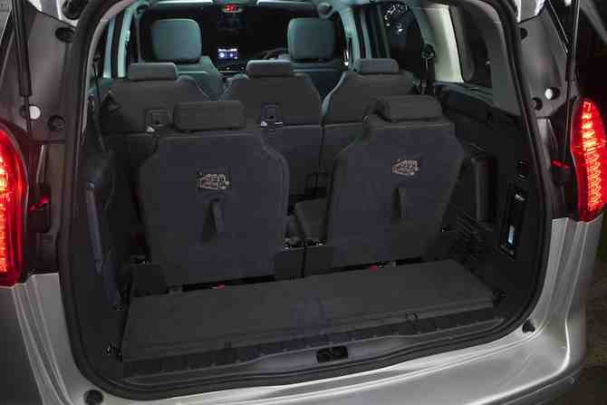 Peugeot 5008 boot view with all seats upright